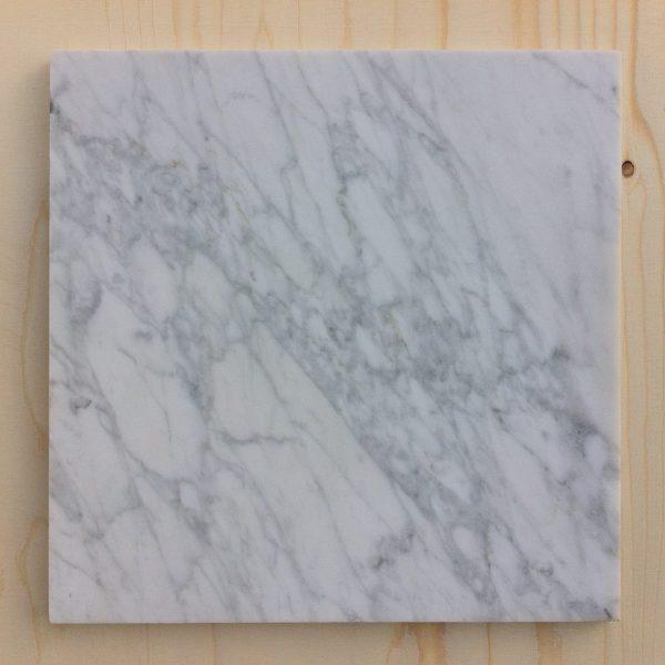 40x40 Carrara Marmer snijplank gezoet Lijns